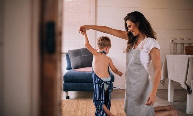 Chỉ 5 phút mỗi ngày làm việc siêu đơn giản này, bạn đang tạo nên một khác biệt lớn cho con - Ảnh 1.
