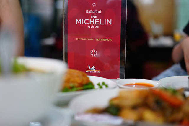Quán ăn vỉa hè giá cao như nhà hàng đạt được ngôi sao Michelin danh giá ở Thái Lan, mỗi ngày chỉ phục vụ đúng 50 khách - Ảnh 17.