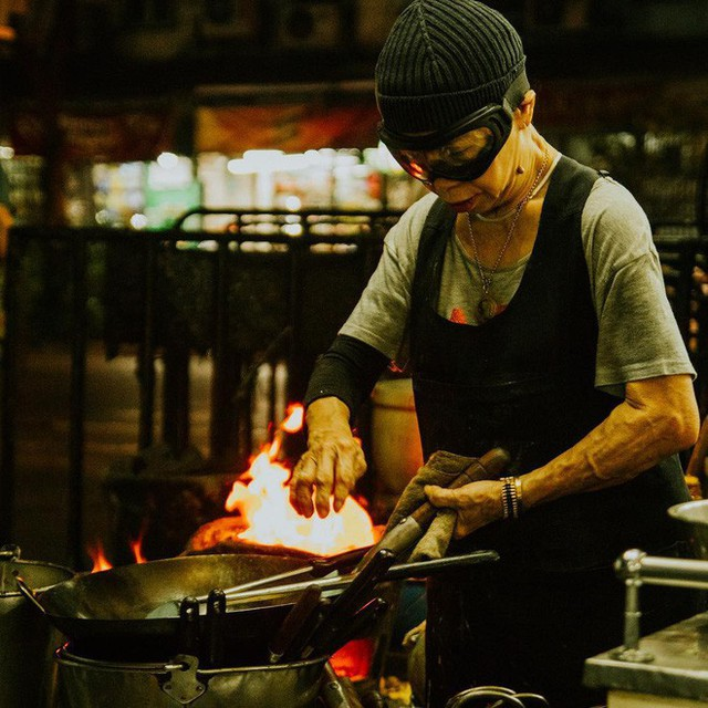 Quán ăn vỉa hè giá cao như nhà hàng đạt được ngôi sao Michelin danh giá ở Thái Lan, mỗi ngày chỉ phục vụ đúng 50 khách - Ảnh 4.