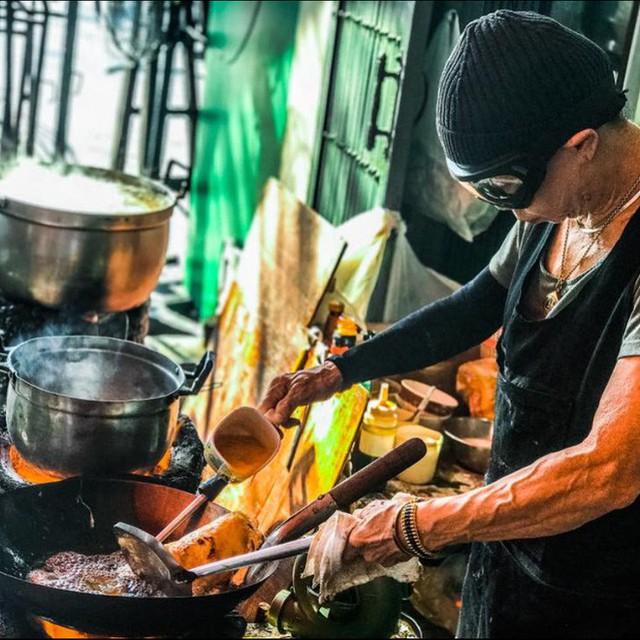 Quán ăn vỉa hè giá cao như nhà hàng đạt được ngôi sao Michelin danh giá ở Thái Lan, mỗi ngày chỉ phục vụ đúng 50 khách - Ảnh 5.
