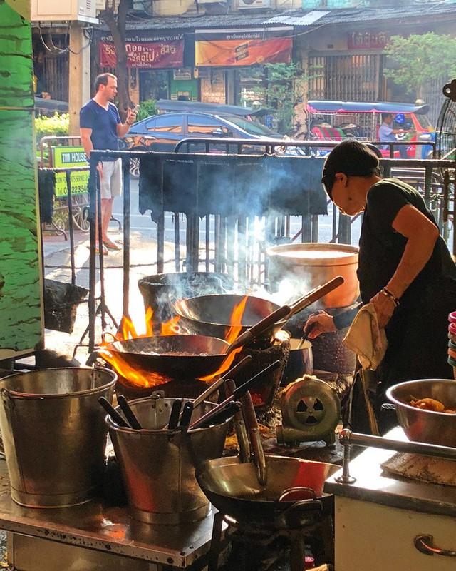 Quán ăn vỉa hè giá cao như nhà hàng đạt được ngôi sao Michelin danh giá ở Thái Lan, mỗi ngày chỉ phục vụ đúng 50 khách - Ảnh 6.