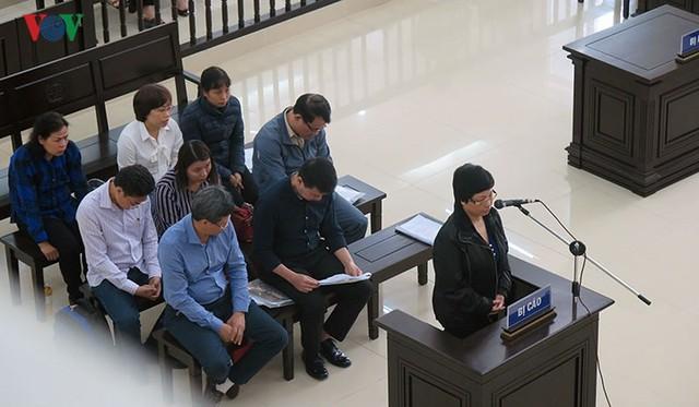 Nhìn lại 4 ngày xét xử cựu ĐBQH Châu Thị Thu Nga và đồng phạm - Ảnh 2.