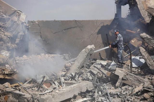 Ảnh vệ tinh: Syria bị tàn phá như thế nào trong vụ không kích của Mỹ và đồng minh - Ảnh 4.
