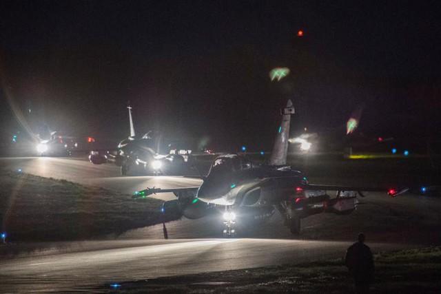 Ảnh vệ tinh: Syria bị tàn phá như thế nào trong vụ không kích của Mỹ và đồng minh - Ảnh 9.
