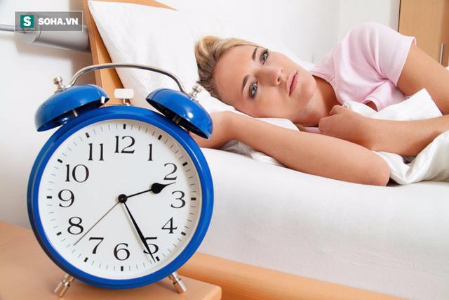 Chuyên gia chia sẻ cách ngủ đúng, ngủ nhanh, không mất ngủ: Hãy ghi nhớ vì ai cũng sẽ cần! - Ảnh 1.