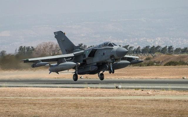 Không kích Syria: Quốc hội Anh sắp chất vấn thủ tướng - Ảnh 2.