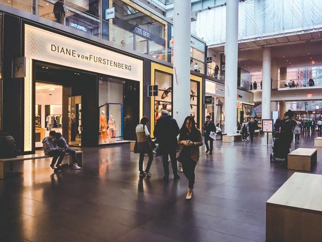 Bên trong trung tâm mua sắm xa xỉ nhất New York - Ảnh 4.