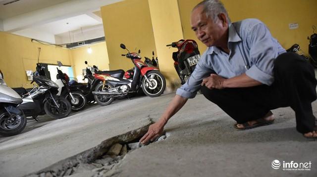 Hà Nội: Hãi hùng bể phốt lộ thiên ngay giữa khu chung cư - Ảnh 7.