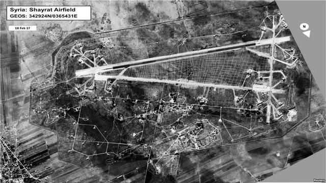 NÓNG: Syria lại vừa bị tấn công bằng tên lửa? - Ảnh 1.