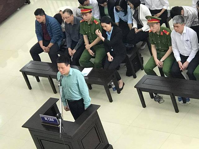 Phiên tòa phúc thẩm vụ Hà Văn Thắm sáng 18/4: Tòa triệu tập 120 người - Ảnh 1.