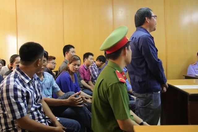 Đường dây buôn logo xe vua ở Sài Gòn: CSGT bị tố nhận hối lộ số tiền khủng - Ảnh 1.