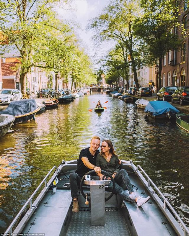 Mới 23 tuổi, cặp đôi được trả lương 6 con số để chu du khắp thế giới và cho ra đời những bức ảnh đẹp mê đắm - Ảnh 11.