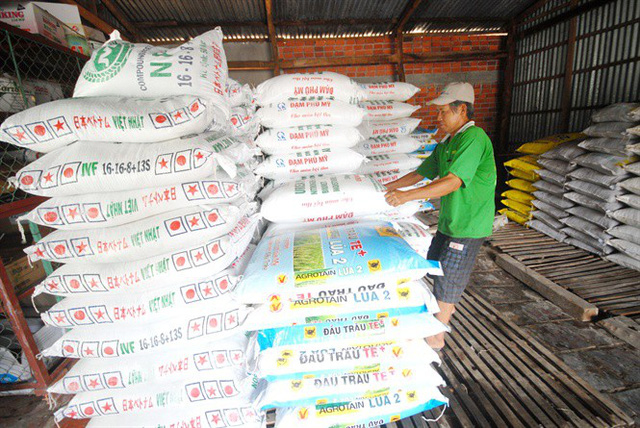 Giá phân bón tăng, nông dân lo lắng - Ảnh 1.