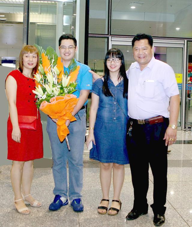 Nam sinh nhận học bổng du học từ 20 trường ĐH lớn: Cả nhà từng mang cặp lồng xôi theo con lên Hà Nội ôn thi - Ảnh 8.