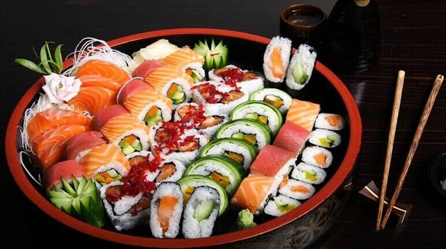Sự khác biệt một trời 1 vực giữa bữa ăn được coi là lành mạnh nhất thế giới của người Nhật và những phần ăn lớn, nhanh gọn của người Mỹ - Ảnh 4.