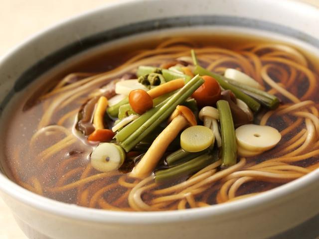 Sự khác biệt một trời 1 vực giữa bữa ăn được coi là lành mạnh nhất thế giới của người Nhật và những phần ăn lớn, nhanh gọn của người Mỹ - Ảnh 5.
