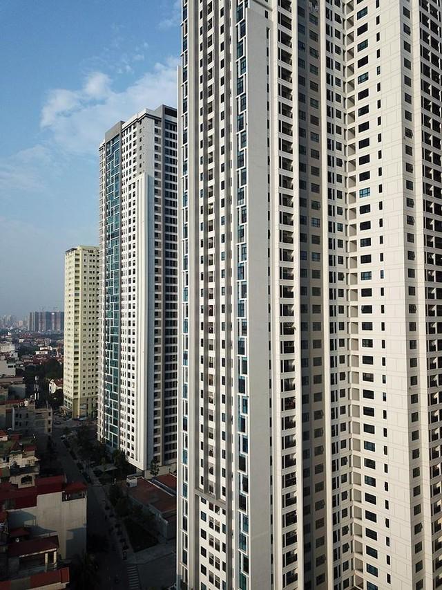 Ngộp thở ở những khu chung cư dày đặc, chọc trời giữa Thủ đô - Ảnh 3.