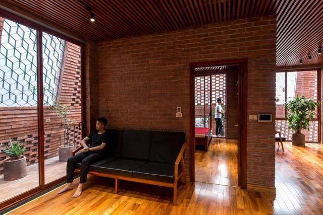 Nhà Hang gạch độc, lạ ở Hà Nội đẹp hút hồn trên báo Mỹ - Ảnh 8.