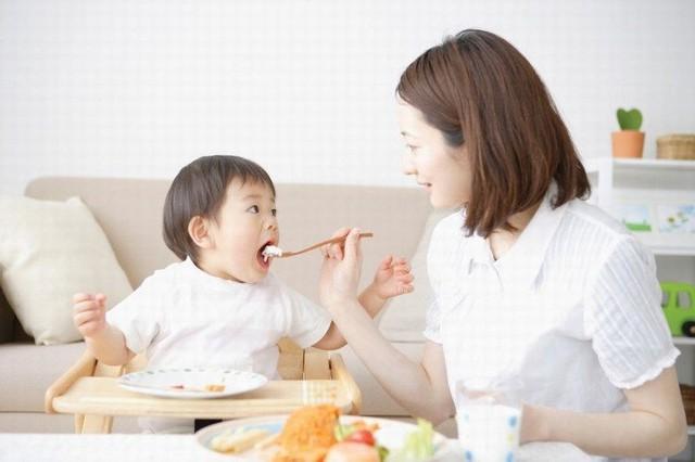 10 sai lầm các bậc cha mẹ nhất định phải tránh nếu muốn nuôi con khỏe mạnh, hạnh phúc - Ảnh 2.