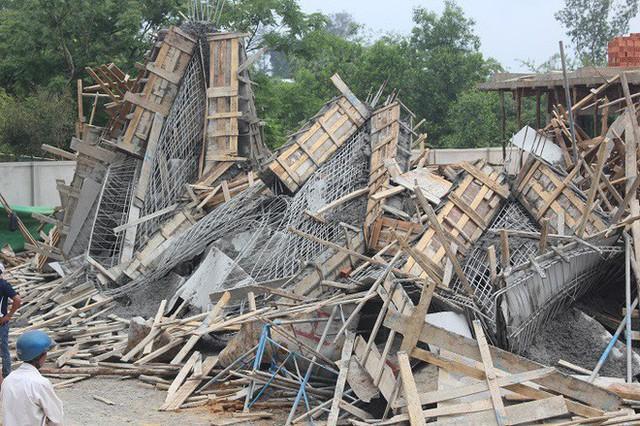 Sập công trình xây dựng, 7 công nhân bị vùi lấp trong đống bê tông - Ảnh 1.