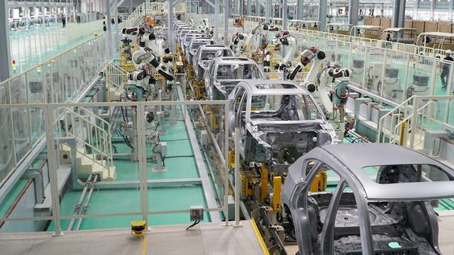 Đại gia ô tô Việt Nam nộp ngân sách gần 15.000 tỉ đồng - Ảnh 2.