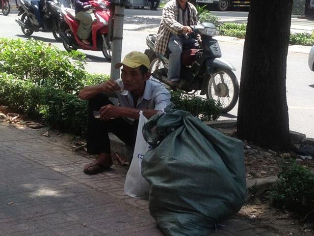 Người Sài Gòn mưu sinh dưới cái nắng 40 độ C  - Ảnh 15.