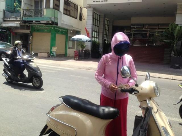 Người Sài Gòn mưu sinh dưới cái nắng 40 độ C  - Ảnh 16.