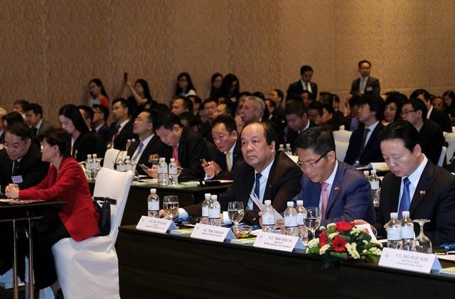 Thủ tướng: Nhiều cơ hội hợp tác mở ra cho các DN Việt Nam-Singapore - Ảnh 2.