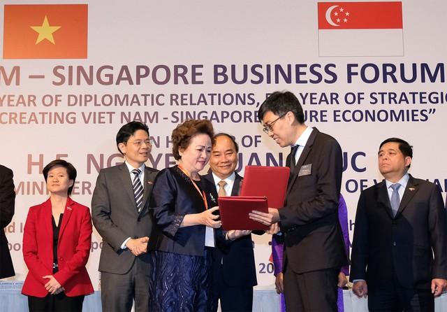 Thủ tướng: Nhiều cơ hội hợp tác mở ra cho các DN Việt Nam-Singapore - Ảnh 3.
