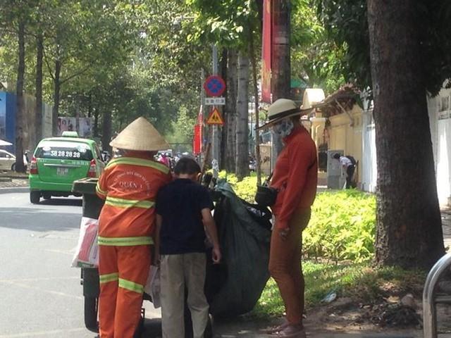 Người Sài Gòn mưu sinh dưới cái nắng 40 độ C  - Ảnh 5.