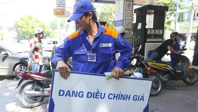 Giá xăng dầu và điện nước đẩy CPI tháng 4 tăng - Ảnh 1.