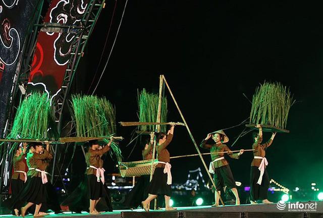 Những hình ảnh ấn tượng tại Lễ hội Carnaval Hạ Long 2018 - Ảnh 4.