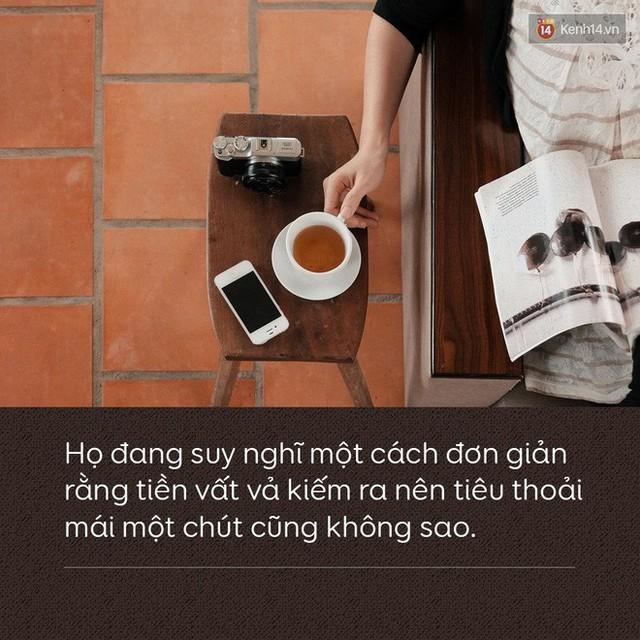 Người trẻ Việt tiếp xúc với tiền bạc từ sớm, nhưng khả năng kiếm được tiền để tự tiêu dùng lại muộn hơn - Ảnh 3.