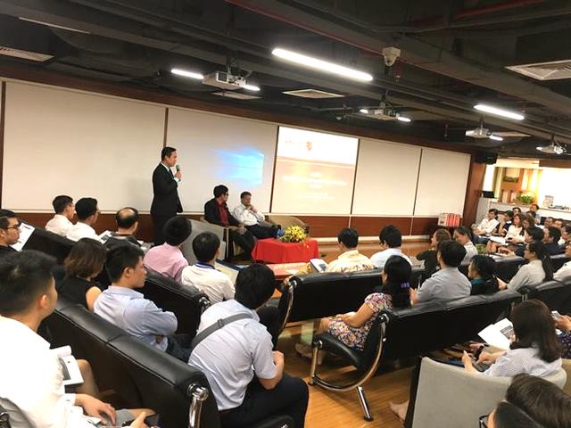 ong lan chia se tai hoi thao du bao ttck thang 4/2018 dien ra tai ctck rong viet ngay 3/4/2018.