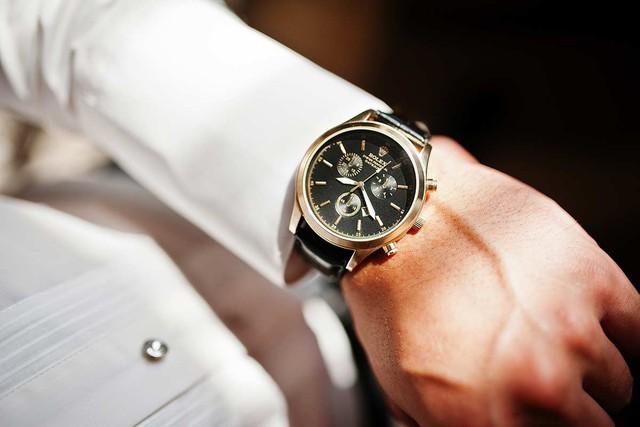 Những quy tắc chọn đồng hồ các quý ông nhất định phải biết - Ảnh 2.