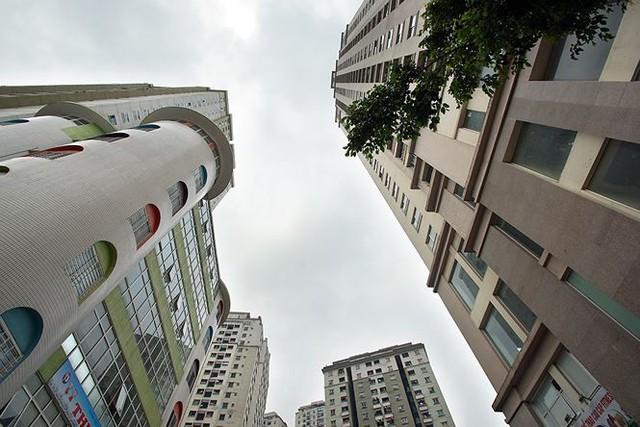 Cận cảnh loạt chung cư là điểm đen phòng cháy ở Hà Nội - Ảnh 5.