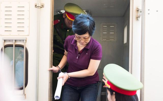 Tình tiết bất ngờ trước phiên tòa phúc thẩm cựu đại biểu Quốc hội Châu Thị Thu Nga - Ảnh 2.