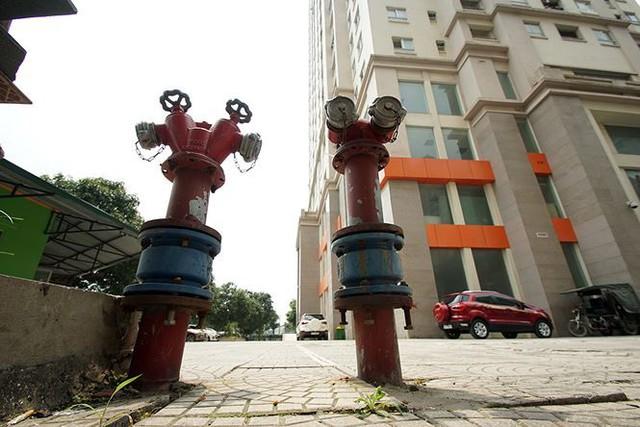 Cận cảnh loạt chung cư là điểm đen phòng cháy ở Hà Nội - Ảnh 6.
