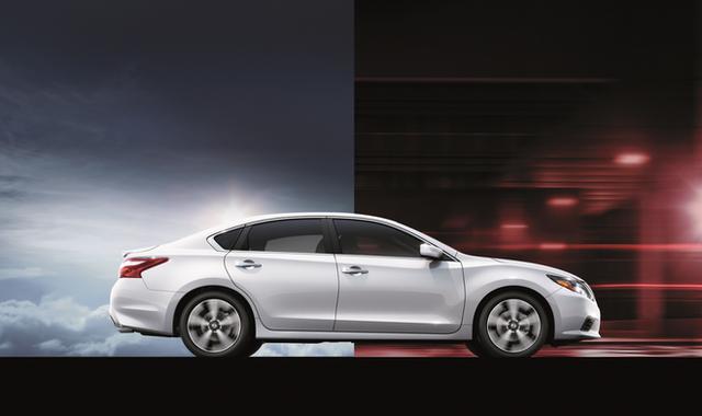 Cận cảnh chiếc ô tô vừa được giảm giá hơn 100 triệu đồng - Ảnh 8.