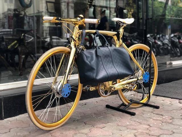 Cận cảnh xe đạp mạ vàng phiên bản giới hạn cực độc, giá 1,2 tỷ đồng tại Hà Nội - Ảnh 1.