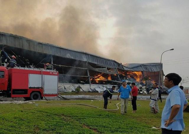 Chưa tìm ra nguyên nhân vụ cháy nhà máy suốt 2 ngày đêm ở Quảng Ninh - Ảnh 1.