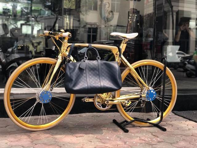 Cận cảnh xe đạp mạ vàng phiên bản giới hạn cực độc, giá 1,2 tỷ đồng tại Hà Nội - Ảnh 8.
