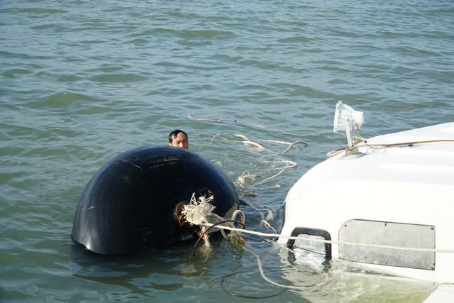Cận cảnh trục vớt tàu cao tốc trị giá cả triệu USD bị chìm ở Sài Gòn - Ảnh 12.