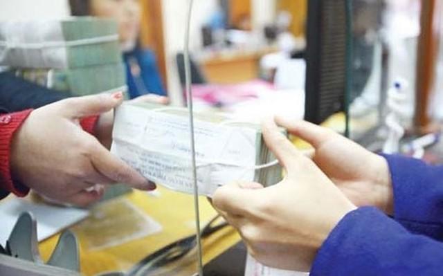 Các ngân hàng mong dân gửi tiền nhiều và lâu hơn: Giấc mơ có thật?
