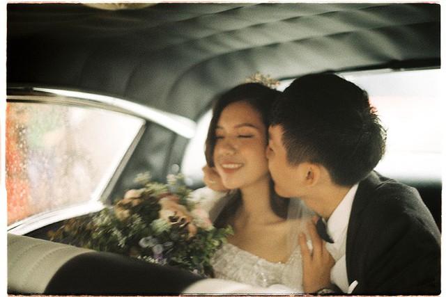 Hà Nội: Màn rước dâu bằng dàn xế cổ dưới trời mưa khiến bao người trầm trồ - Ảnh 11.