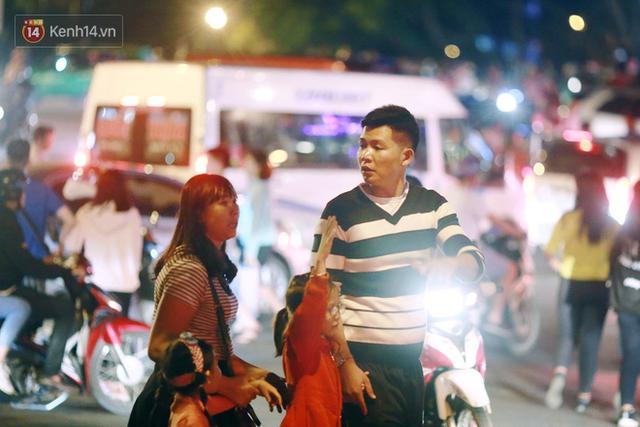 Đà Lạt chật kín du khách và phương tiện, các ngả đường ùn tắc kinh hoàng tối 30/4 - Ảnh 14.