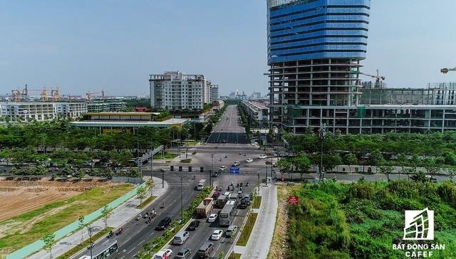 Các con đường này được hoạch định là 4 tuyến huyết mạch, thúc đẩy sự phát triển và thu hút đầu tư cho Khu Đô thị mới Thủ Thiêm.