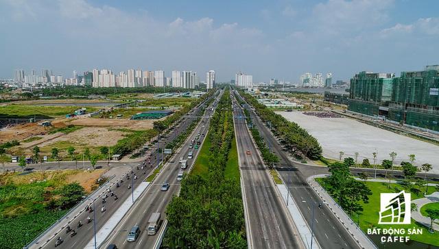 Đại lộ Mai Chí Thọ - đoạn hướng về Xa lộ Hà Nội thuộc quận 9, Thủ Đức..
