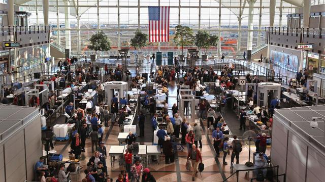 10 sân bay đặc biệt nhất thế giới - Ảnh 6.