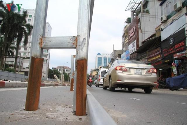 Hà Nội rào chắn, cấm đường để xây nhà ga Cát Linh - Ảnh 14.